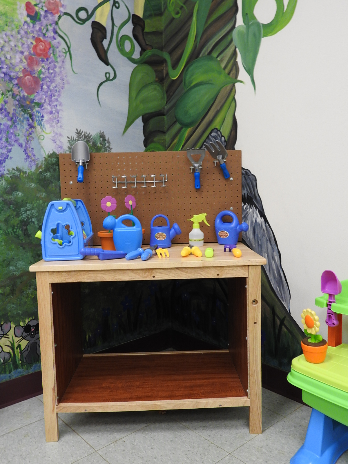 MEHPL -- Garden-themed Dramatic Play Area